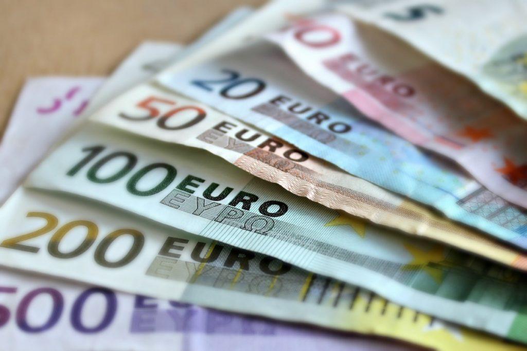 Money euro fan