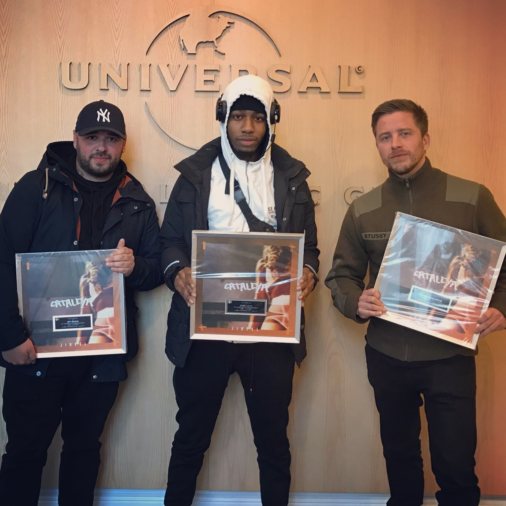 get_signed_by_Universal_Music