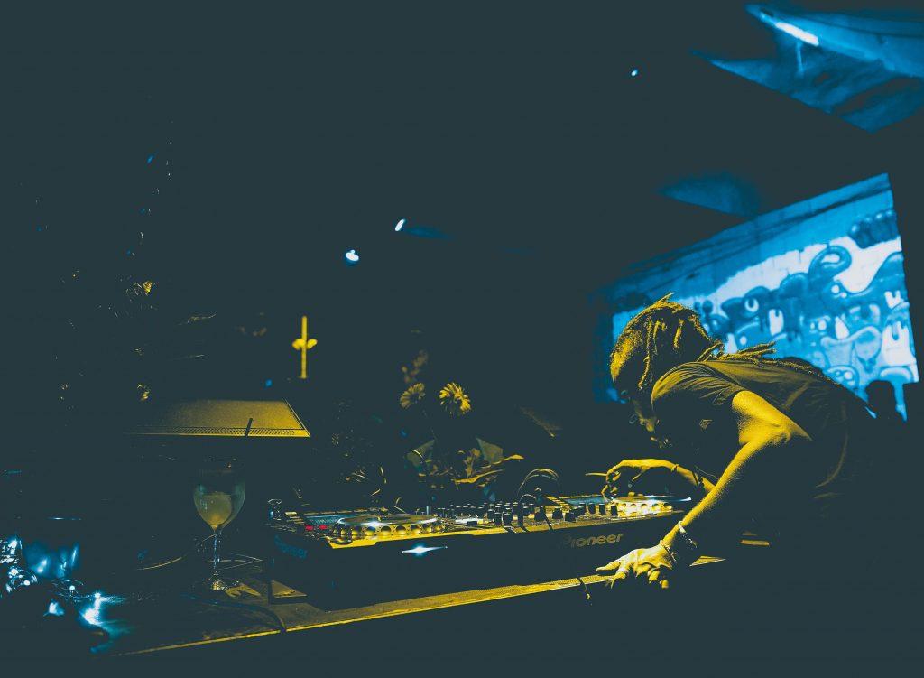 DJ club yellow light