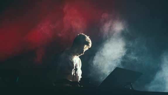 DJ smoke red white