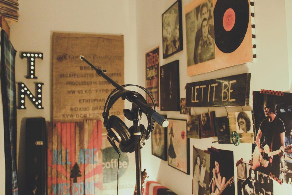 Mic bedroom